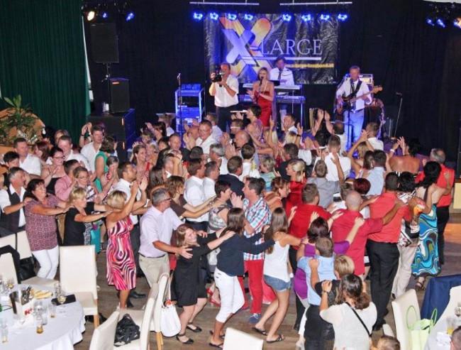 Die Hochzeitsband und Tanzband X-Large aus Oberösterreich bietet erstklassige Hochzeitsmusik für Ihre Hochzeit Kosten und Preise und nähere Infos zur Hochzeit 1096